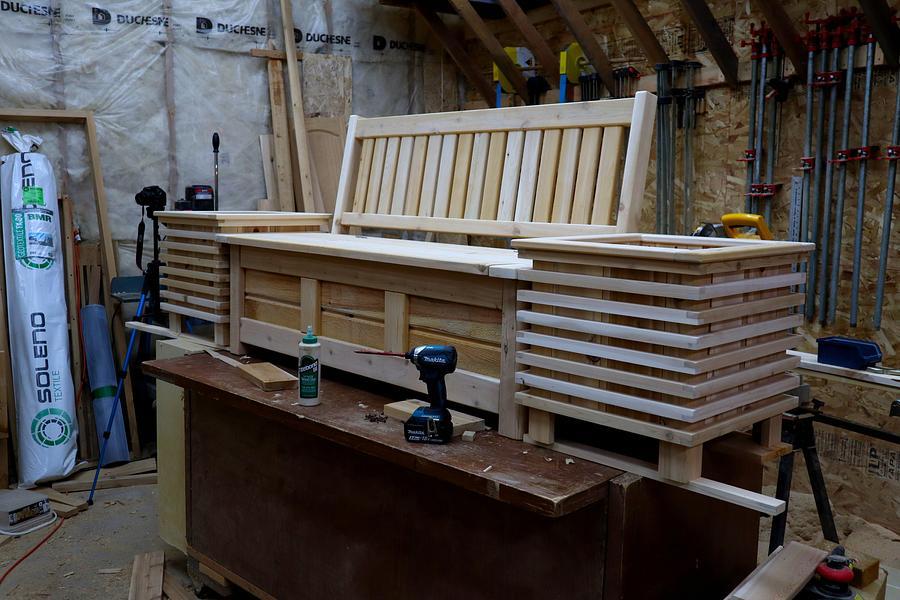 Cedar Storage Bench W/Flowerpots - Woodworking Project by Matteout