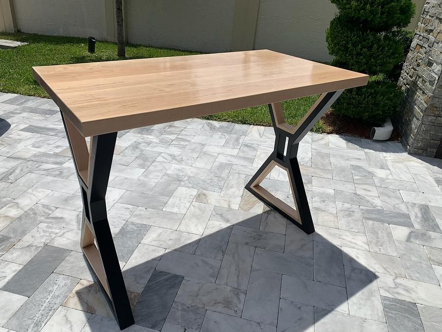Maple Pub Table - Woodworking Project by Izzyswoodworking
