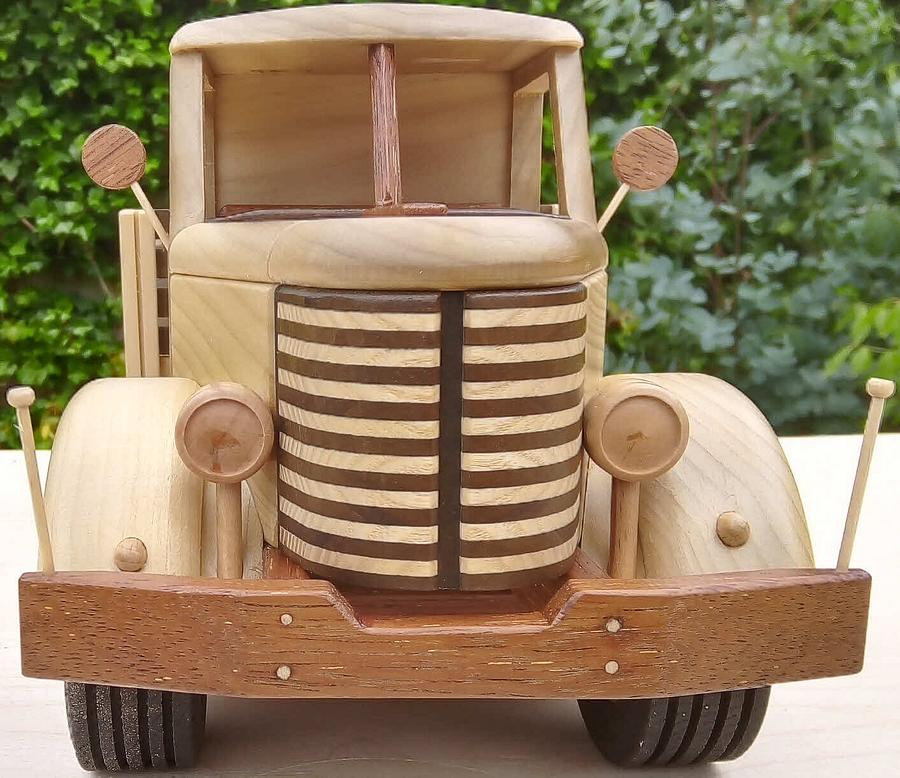 Army truck - Woodworking Project by Dutchy