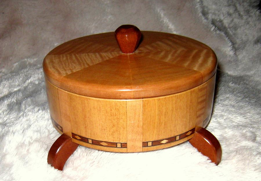 Round Box - Woodworking Project by Bentlyj