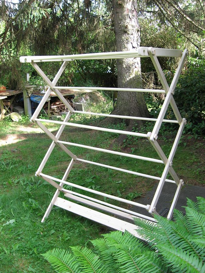 Folding Laundry Rack - Woodworking Project by Richforever