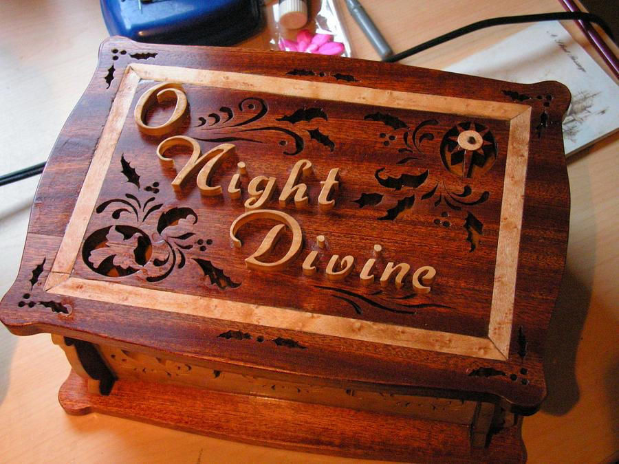 Christmas box - Woodworking Project by Celticscroller
