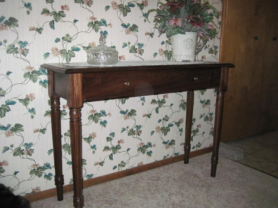 Hall Table - Woodworking Project by Rick Nelson