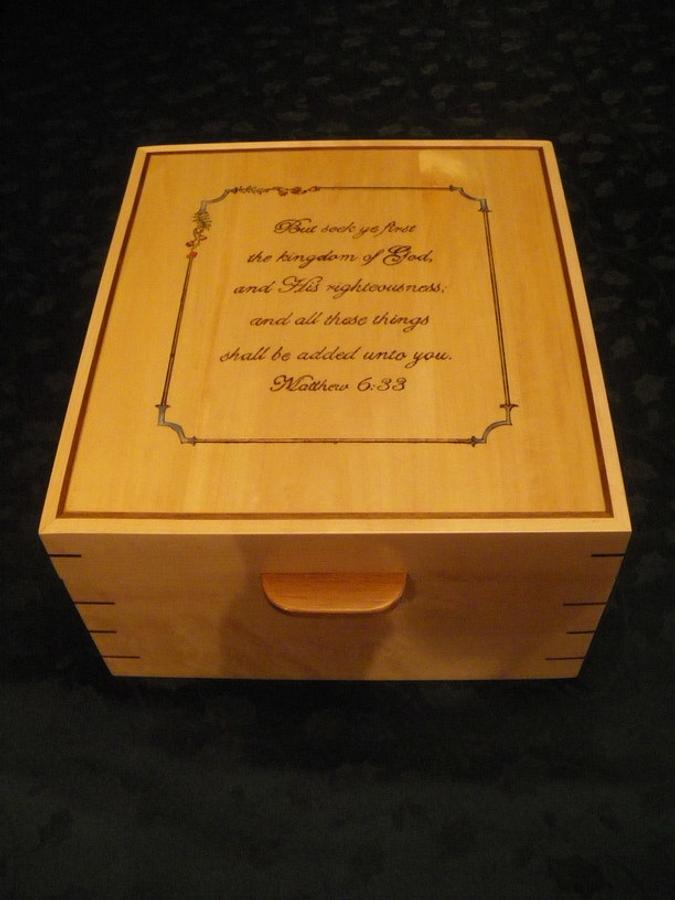 Birdseye Maple and Walnut wedding photo box - Woodworking Project by Lightweightladylefty
