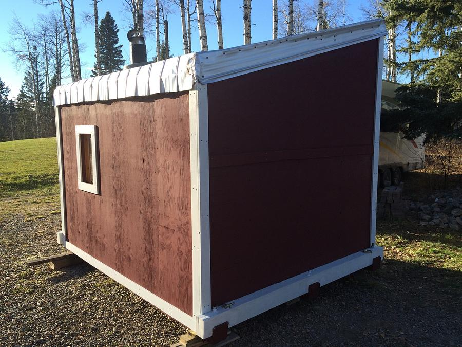 Ice Fishing Shack - Woodworking Project by Rosebud613