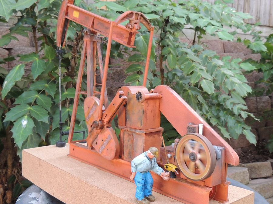 Old rusted Jack Pump - Woodworking Project by Rolando Pupo