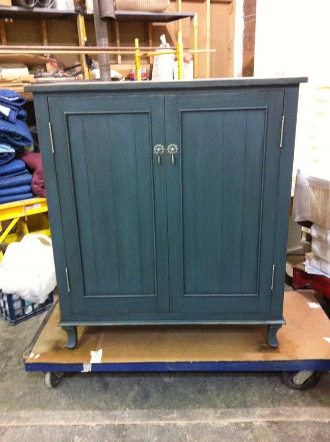 Dish Cabinet - Woodworking Project by Les Hastings