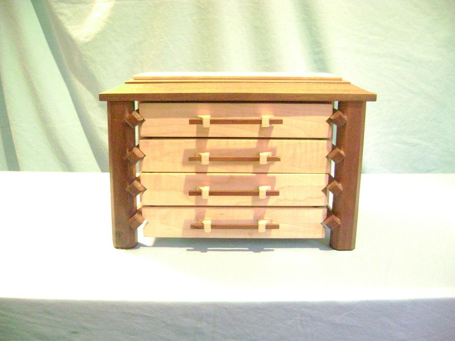 Pagoda Style Jewelry Box - Woodworking Project by David Roberts