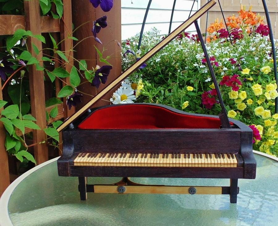 GARDEN MUSIC - Woodworking Project by kiefer
