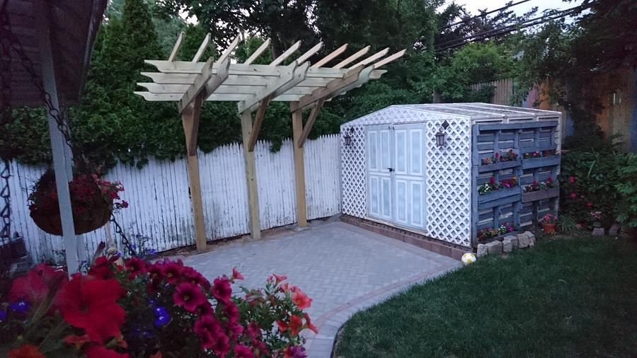 Cantilevered Pergola - Woodworking Project by Brian