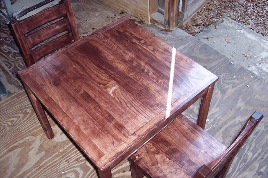 small table and chairs - Woodworking Project by Blackbeard
