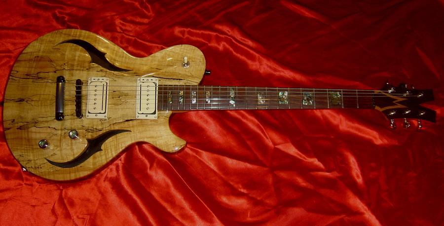 Custom Electric Guitar - Woodworking Project by Xylonmetamorphoun