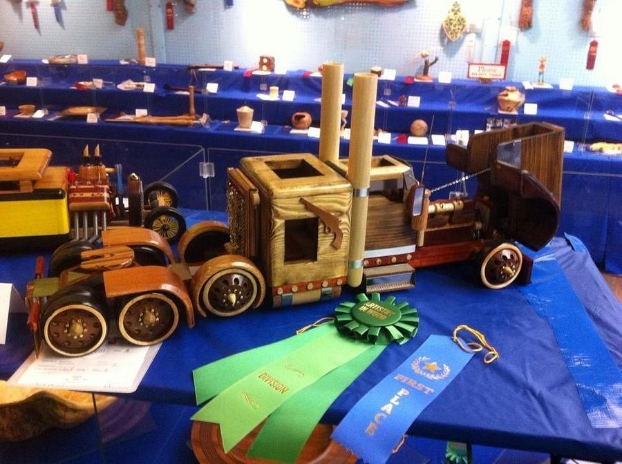 Winning truck - Woodworking Project by Woodshopmafia