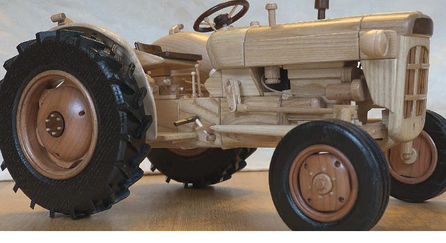 Fordson Super Dexta wooden model - Woodworking Project by Dutchy