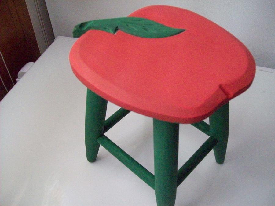 small apple stool - Woodworking Project by jim webster