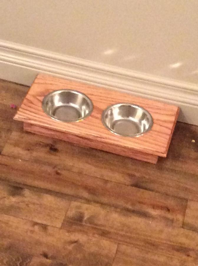 Small dog bowl - Woodworking Project by clarke