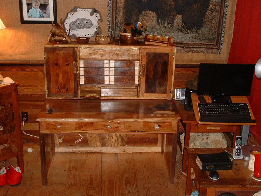 walnut and cherry desk - Woodworking Project by grizzman