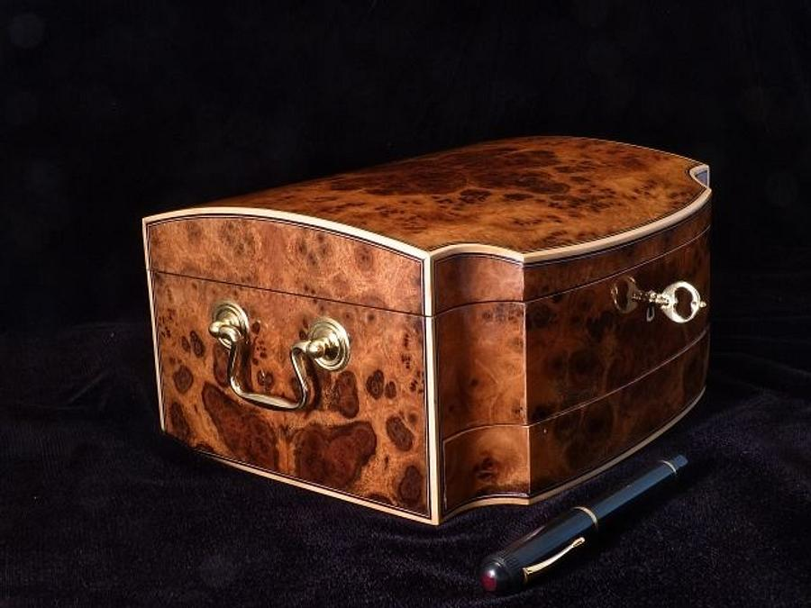 Walnut Fountain Pen Box - Woodworking Project by RogerBean