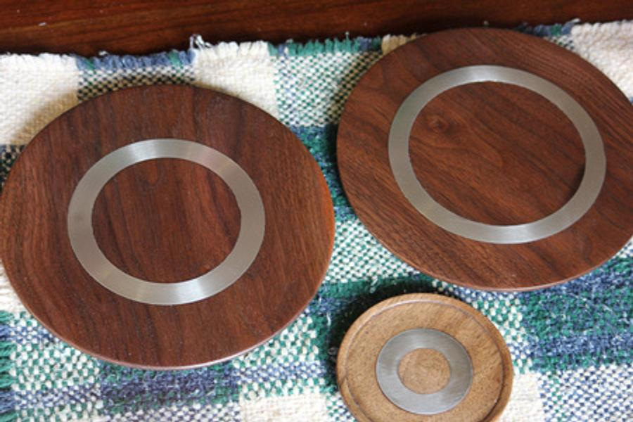 Walnut and Pewter Plates - Woodworking Project by Dandy