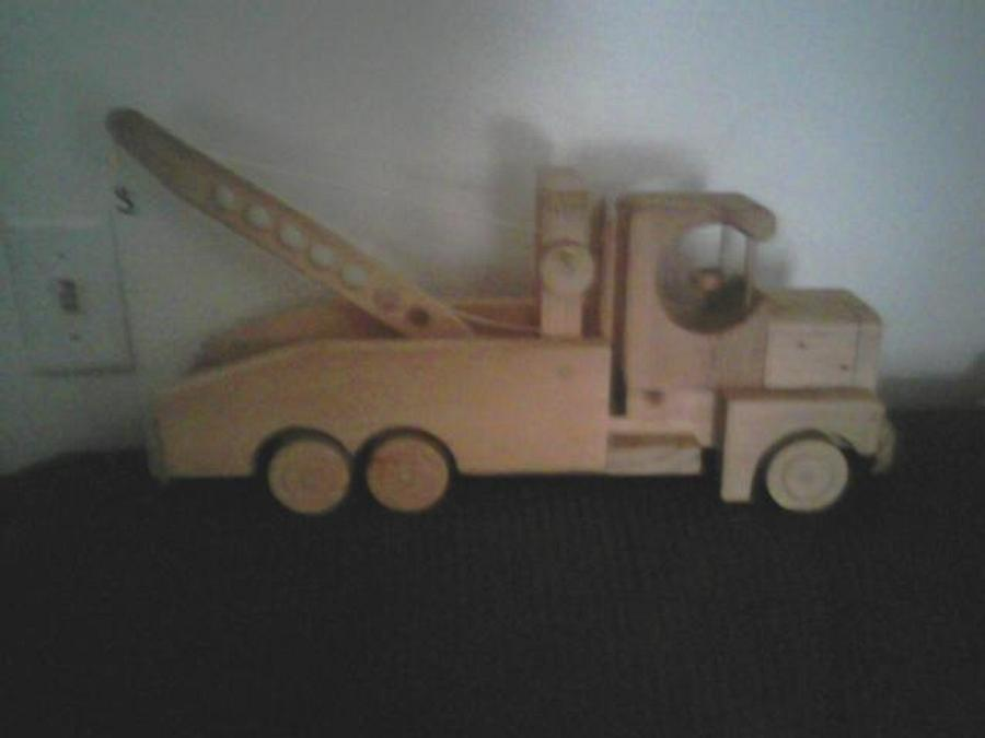 semi hauler tow truck  - Woodworking Project by frances