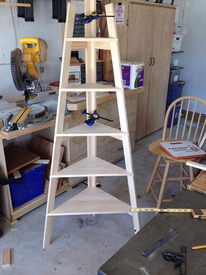Corner ladder shelf - Woodworking Project by Bill sheehan