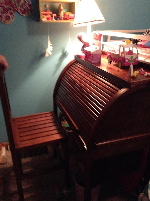 Chair and desk granddaughter Brooke - Woodworking Project by Jeff Moore