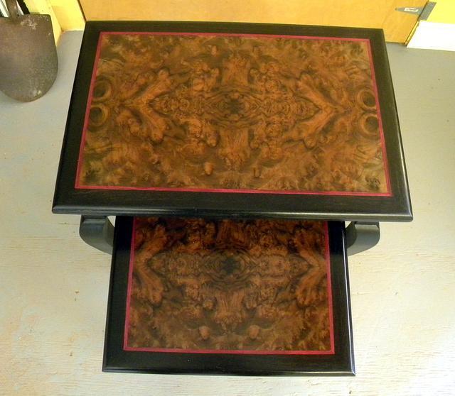 Open Apron Nesting Tables