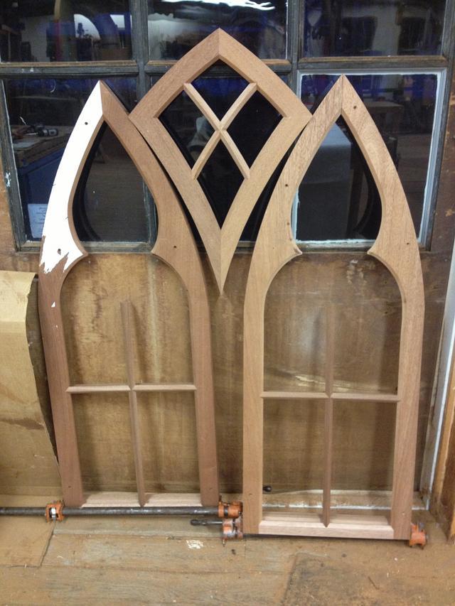 Gothic style sash with Kite sash
