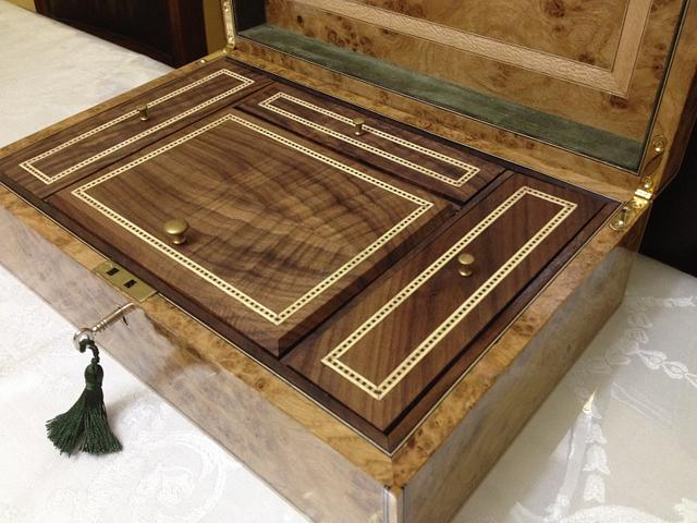 Reproduction Pepperwood burl writing box