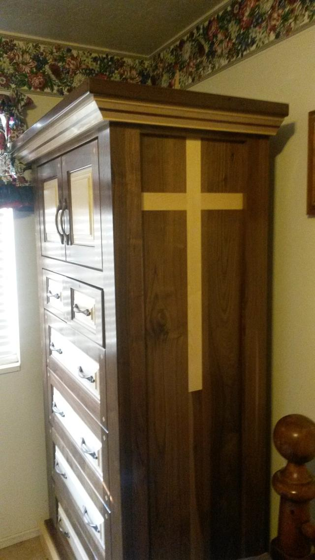 wife's dresser - Woodworking Project by Timothy