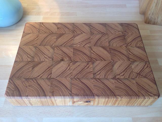 Olive ash chopping board
