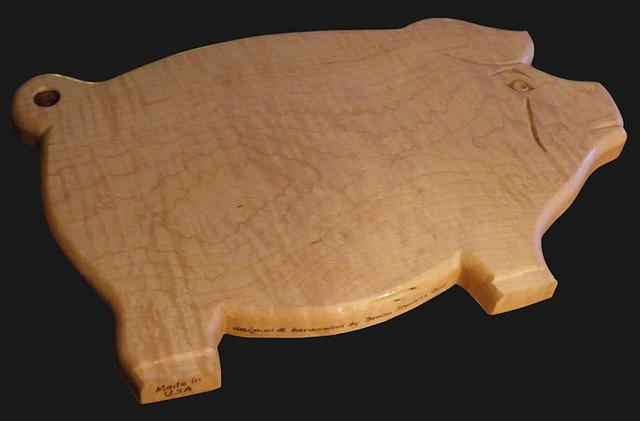 Curly Maple, Carved Pig Cutting Board