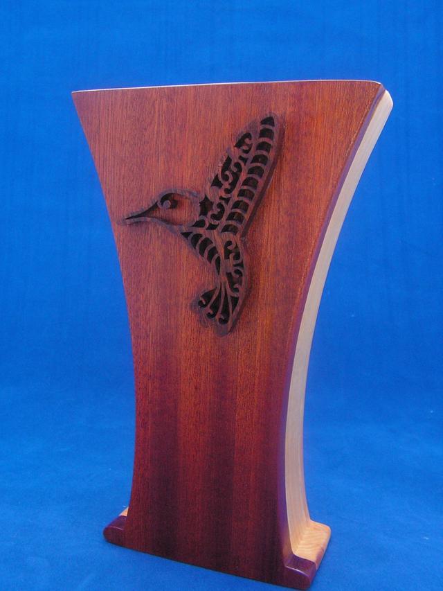 Filigree hummingbird theme