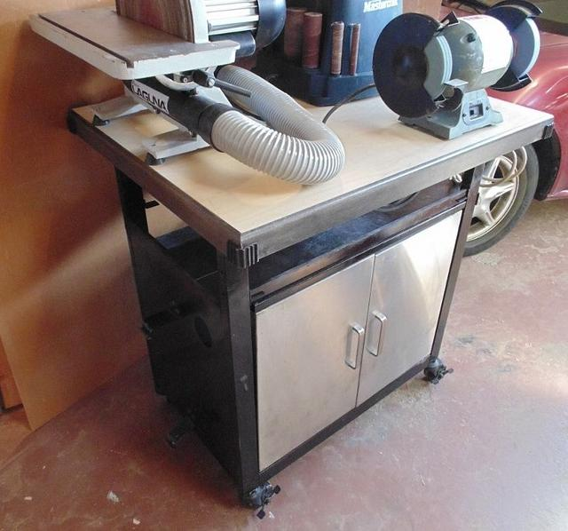 MOBILE TOOL STAND /RECYCLED BBQ STAND