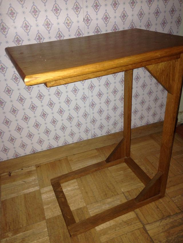 Sitting table