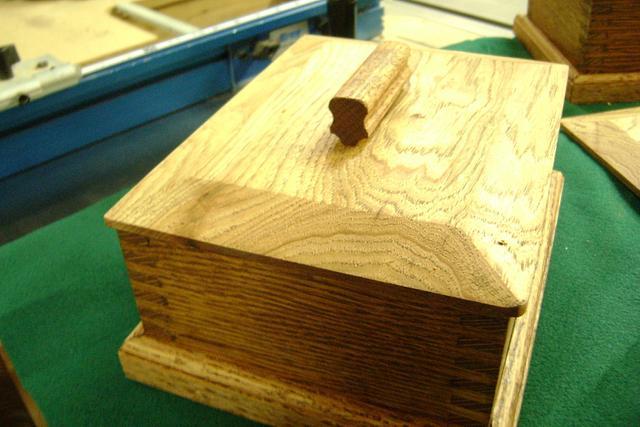 Small Oak Keepsake boxes