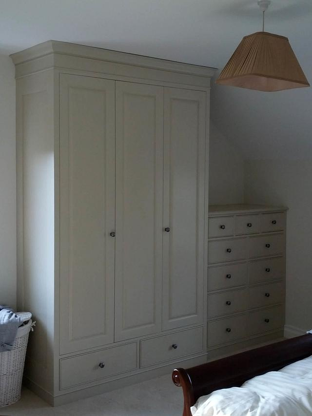 Classic, traditionally styled bedroom furniture. - Woodworking Project by Renners