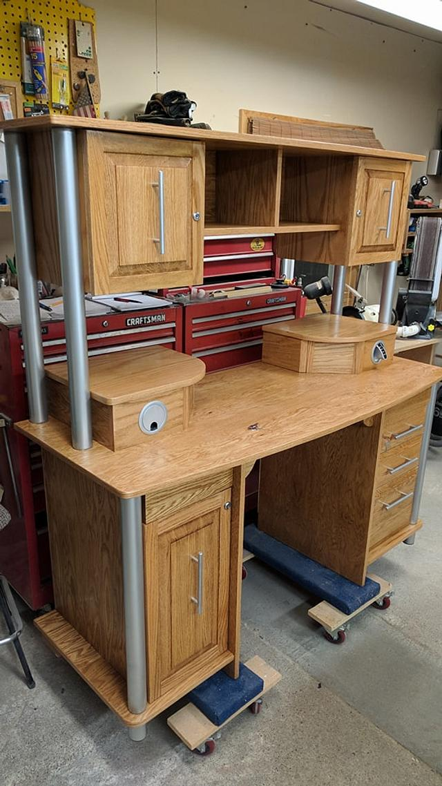 Custom desk - Woodworking Project by Rickswoodworks