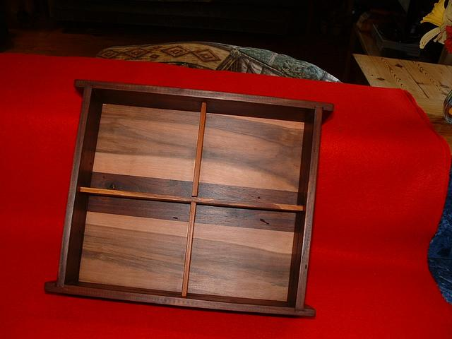 small valet box