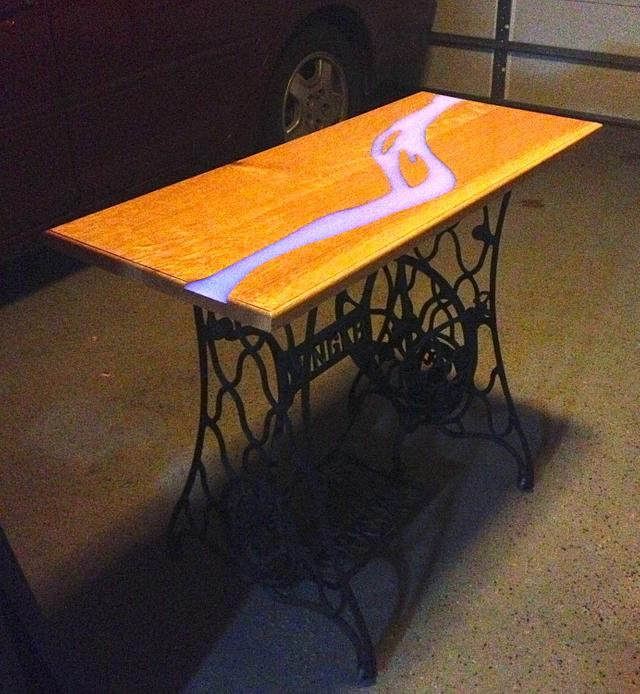 American River Table