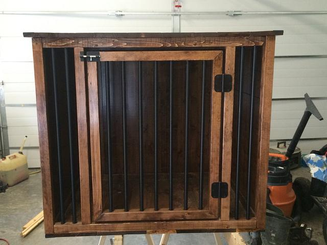 Closed in Dog Crate/Kennel