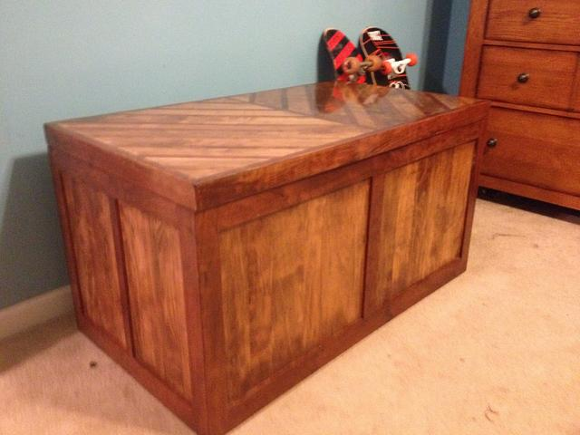 My boys Toy Box - Woodworking Project by Dusty1