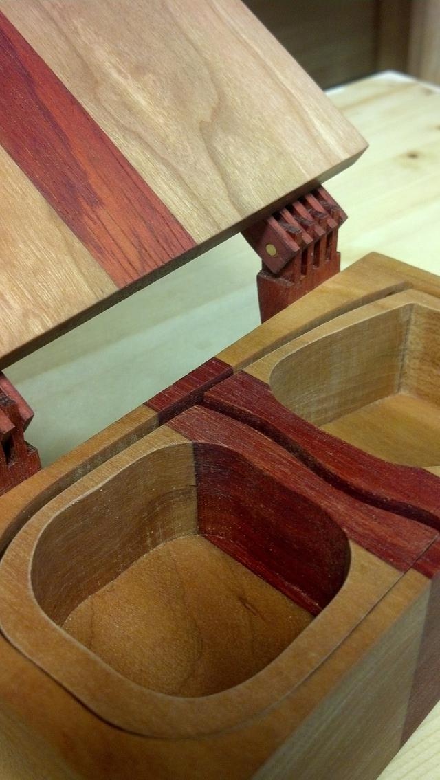 Bandsaw Box w/handmade hinges