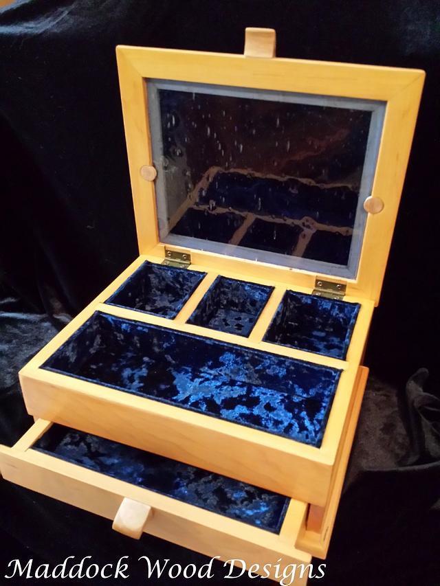 "Jewelry Box ""Blue Gem"""