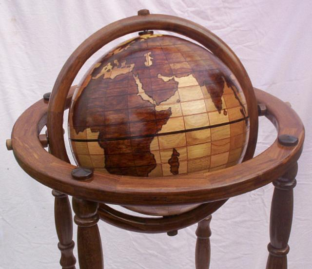 THE EARTH ON HIGH GYROSCOPIC STAND