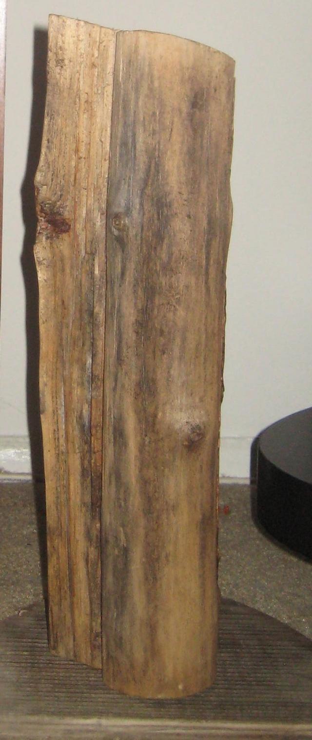 log center piece