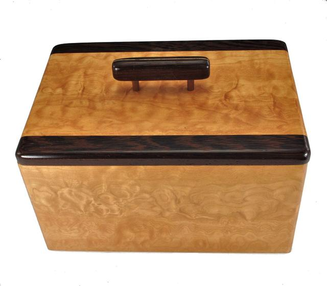 Quilted maple & Wenge Lift Top Box