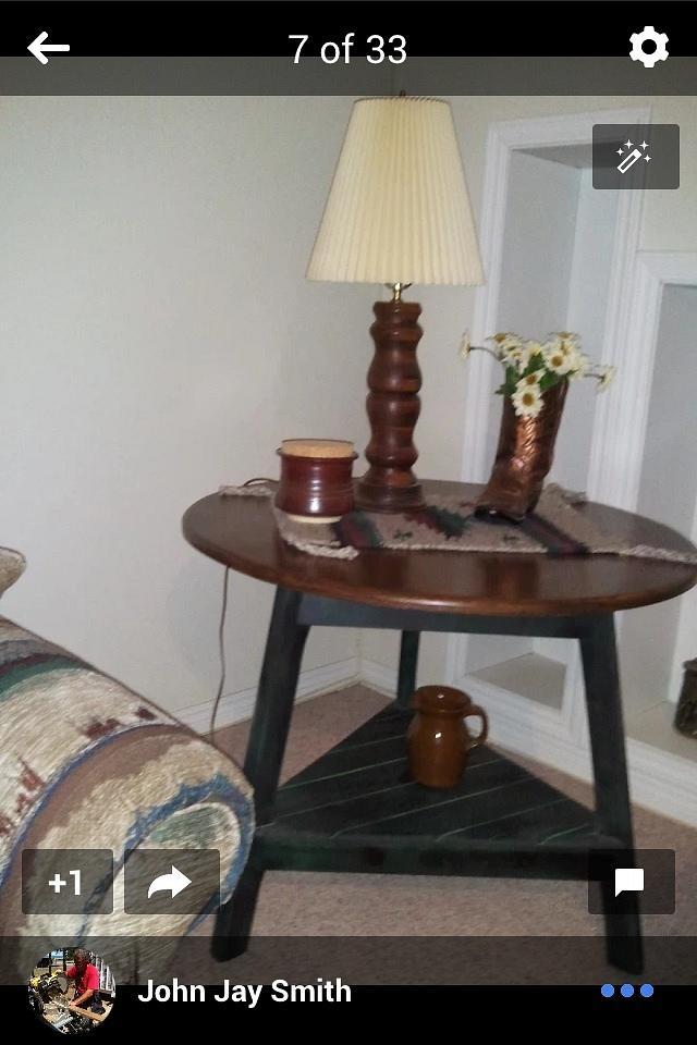 Three leg oak table
