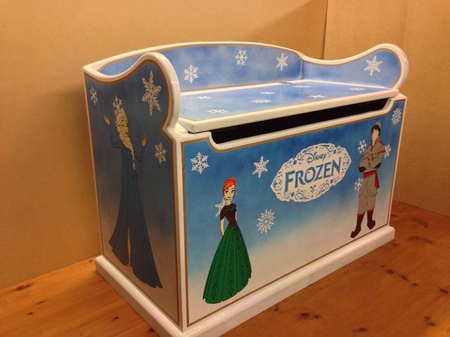 Disney frozen toy box