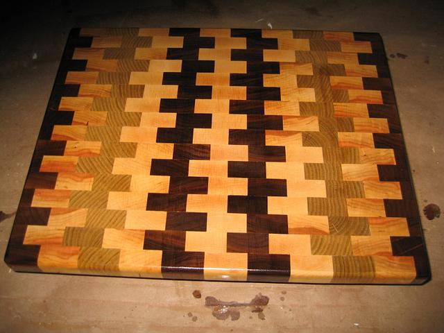 Cutting board - Woodworking Project by baldwinlc